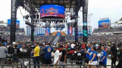 Camping World Stadium, section: 112R, rangée: F, siège: 5