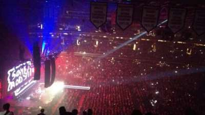 Capital One Arena, section: Upper Concourse 433, rangée: N, siège: 12
