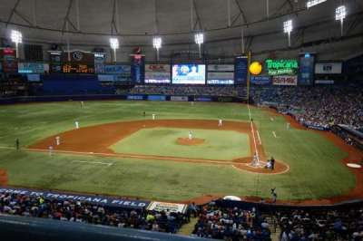 Tropicana Field, section: 207, rangée: A, siège: 10