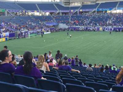 Camping World Stadium, section: 109, rangée: Y, siège: 10