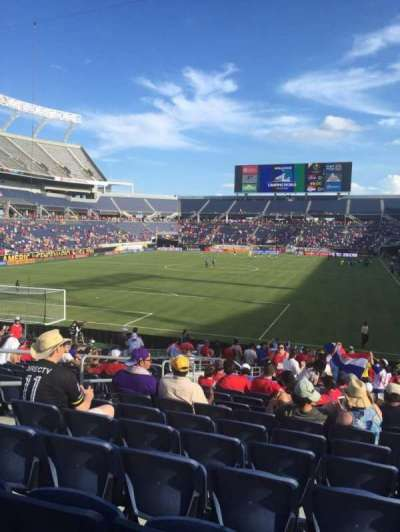 Camping World Stadium, section: 145, rangée: Aa, siège: 31