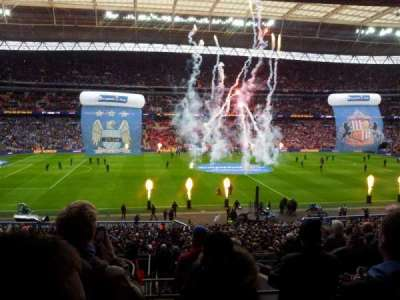 Wembley Stadium, section: 124, rangée: 42, siège: 45