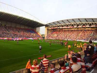 DW Stadium, section: West Stand