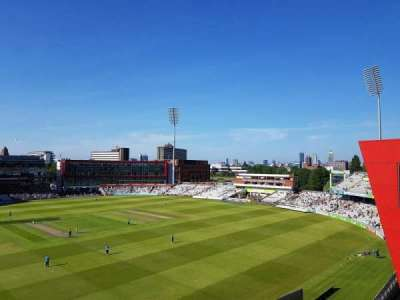Old Trafford Cricket Ground, section: Upper Tier, rangée: Back Row
