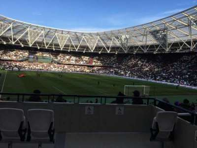 London Stadium, section: 17, rangée: 26