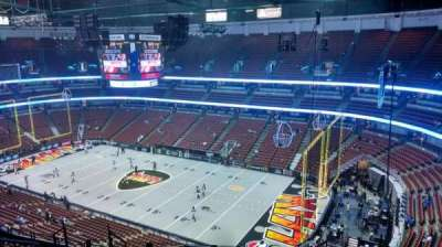 Honda Center, section: 429, rangée: M, siège: 8