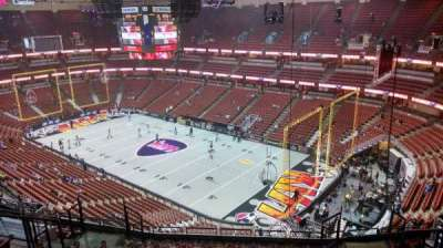 Honda Center, section: 428, rangée: M, siège: 8