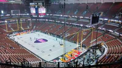 Honda Center, section: 427, rangée: M, siège: 8