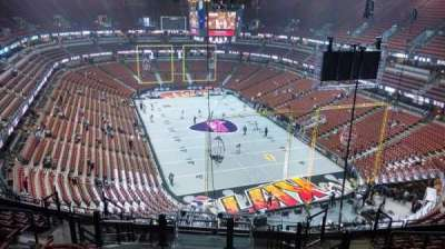 Honda Center, section: 425, rangée: M, siège: 8