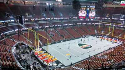 Honda Center, section: 418, rangée: M, siège: 8
