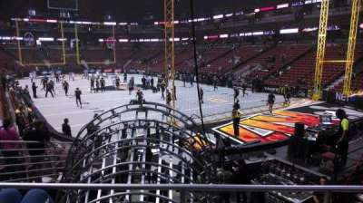 Honda Center, section: 217, rangée: P, siège: 8