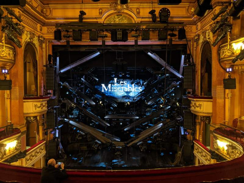 Vue de la place pour Gielgud Theatre Section Dress Circle Rangée F Siège 17