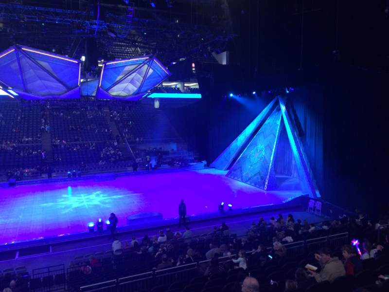 The O2 Arena, section: 111, rangée: R, siège: 378