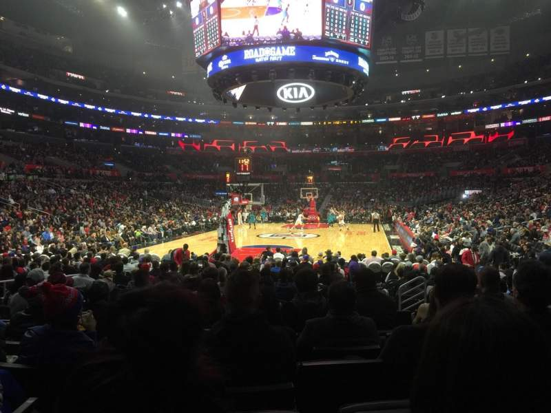 Staples Center, section: 106, rangée: 9, siège: 11