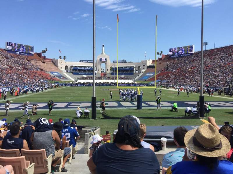 Los Angeles Memorial Coliseum, section: 15H, rangée: 13, siège: 101