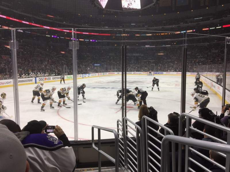 Staples Center, section: 115, rangée: 7, siège: 1