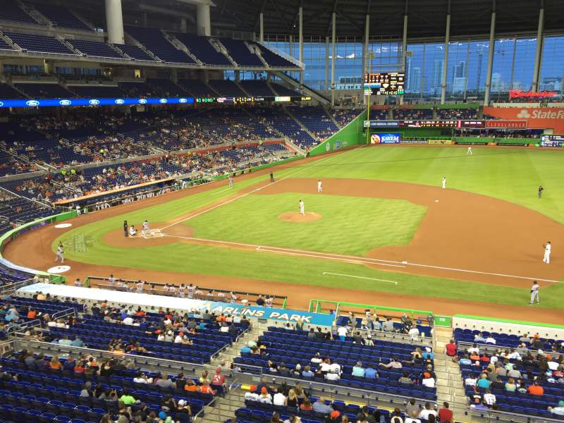 Marlins Park, section: 209, rangée: 1, siège: 3