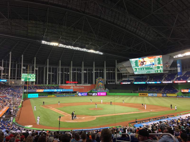 Marlins Park, section: 13, rangée: 15
