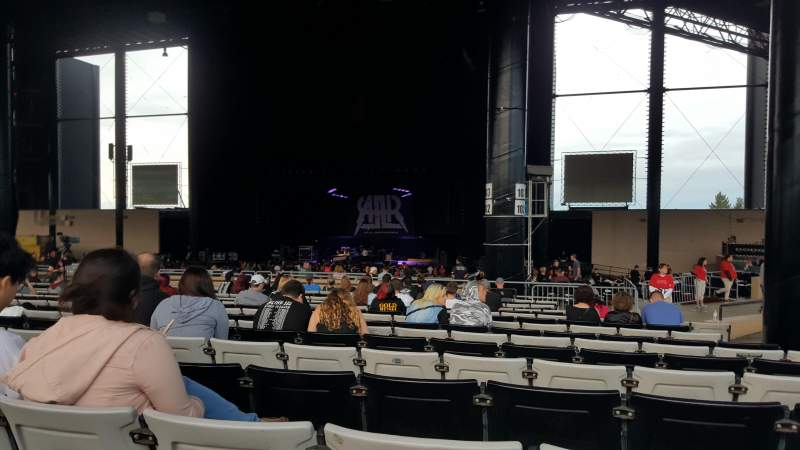 Hollywood Casino Amphitheatre (Tinley Park), section: 204, rangée: BBB, siège: 12
