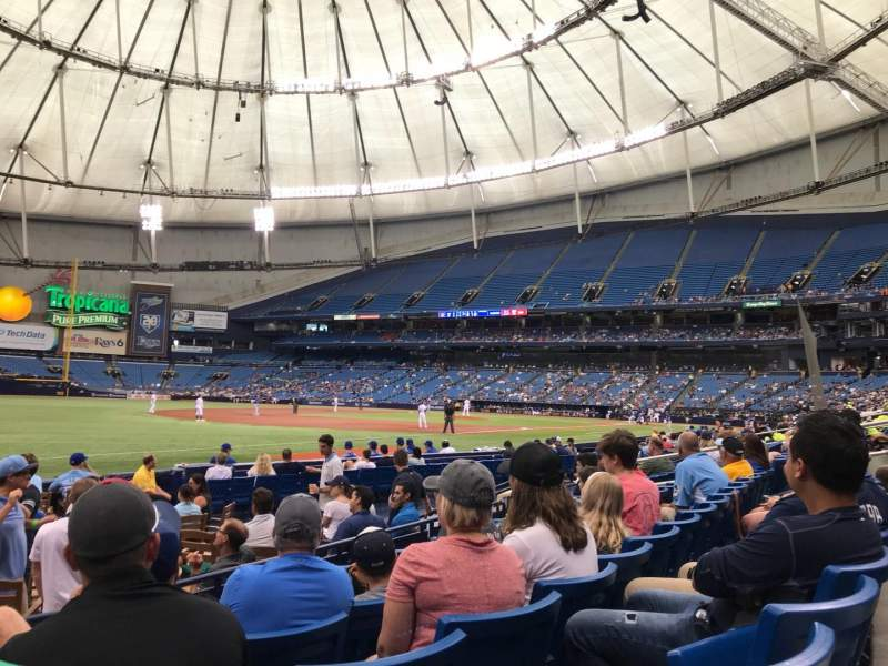 Tropicana Field, section: 129, rangée: L, siège: 1