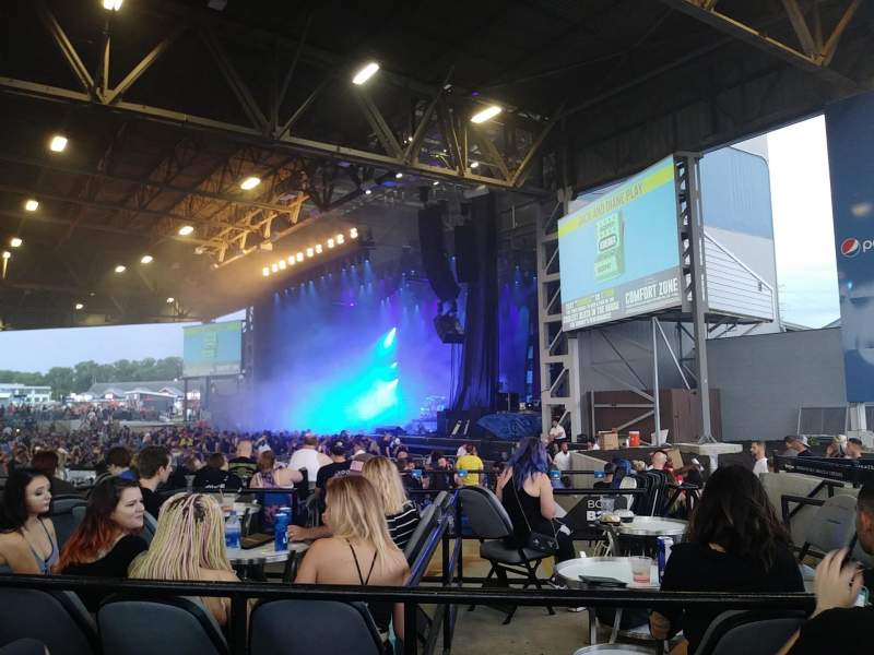 Hollywood Casino Amphitheatre (Maryland Heights), section: Section Right (Right Orchestra), rangée: V, siège: 42