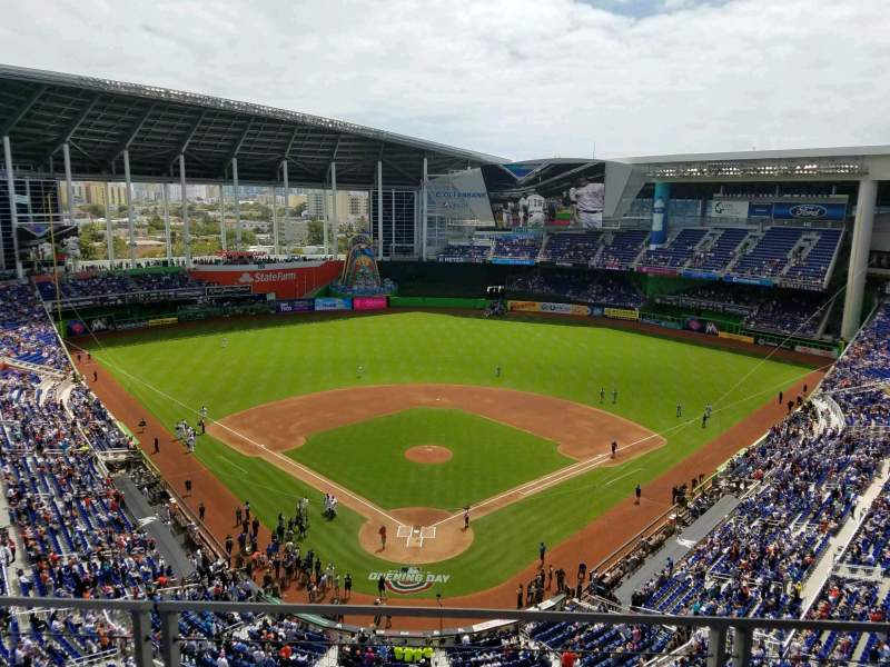 Marlins Park, section: 314, rangée: B, siège: 11