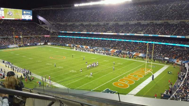 Soldier Field, section: 302, rangée: 5, siège: 3