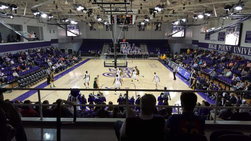 Millis Athletic Convocation Center , section: 201, rangée: D, siège: 21