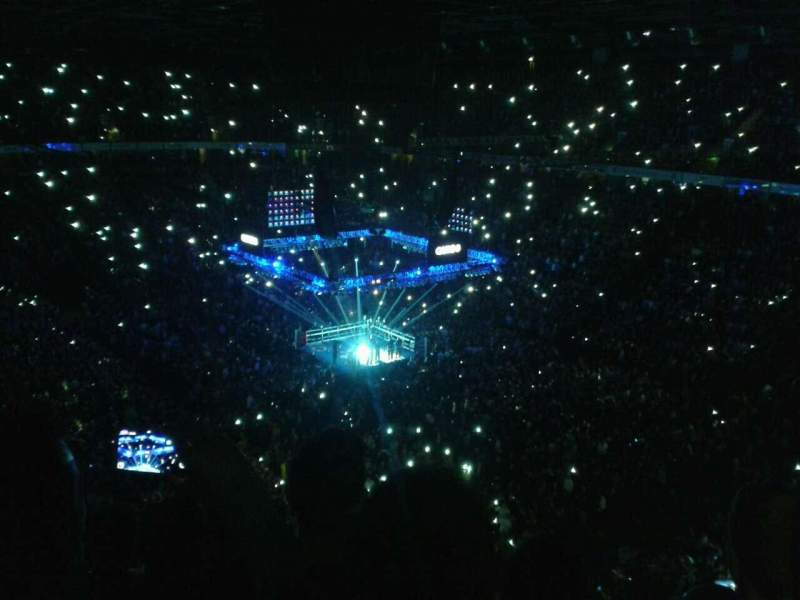 Manchester Arena, section: 206, rangée: k