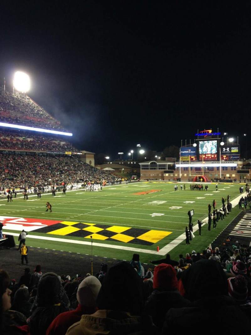 Vue de la place pour Maryland Stadium