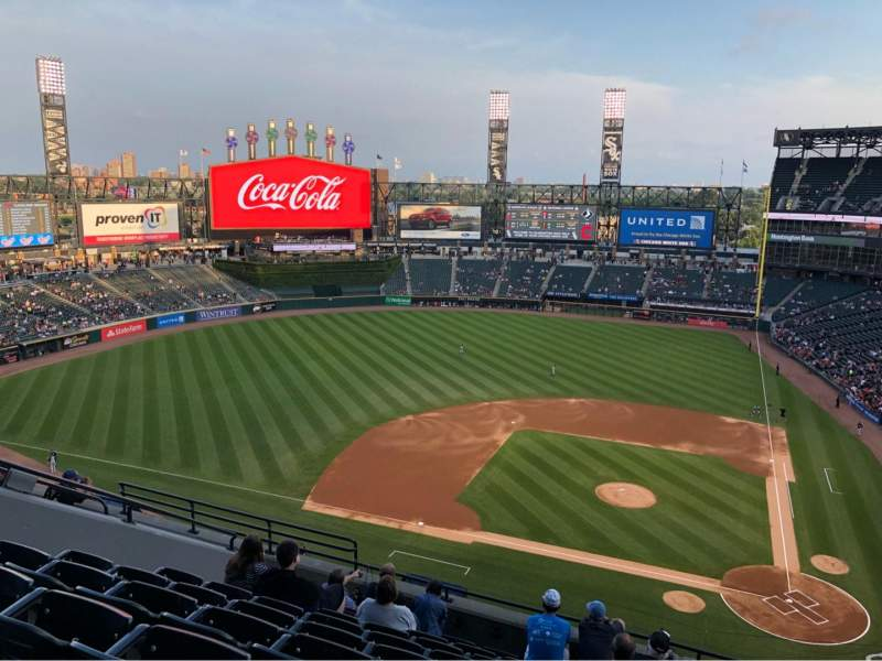 Vue de la place pour Guaranteed Rate Field Section 537 Rangée 9 Siège 11