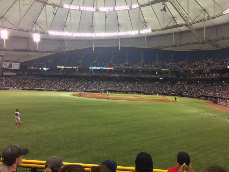 Tropicana Field, section: 141, rangée: W, siège: 5