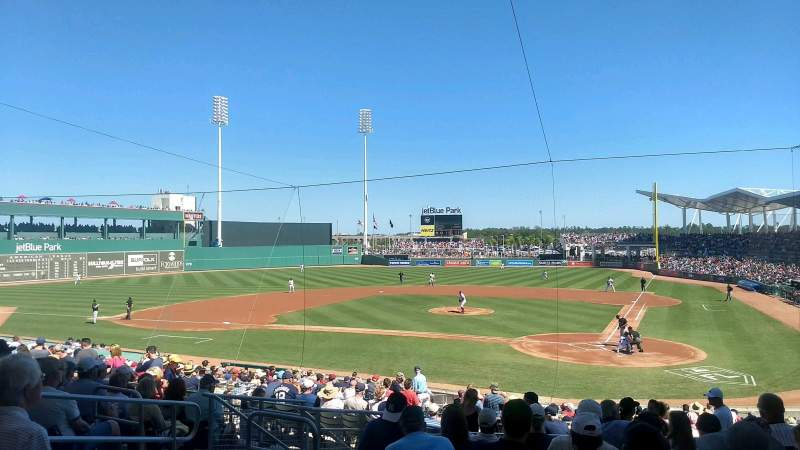 JetBlue Park, section: 204, rangée: 9, siège: 17