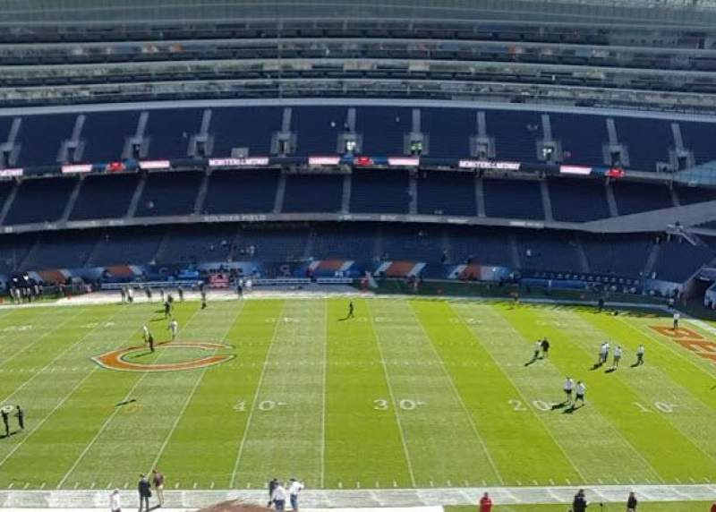 Soldier Field, section: 335, rangée: 2