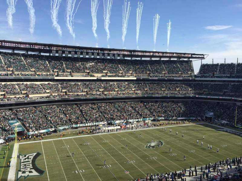 Lincoln Financial Field, section: 241, rangée: 2, siège: 11