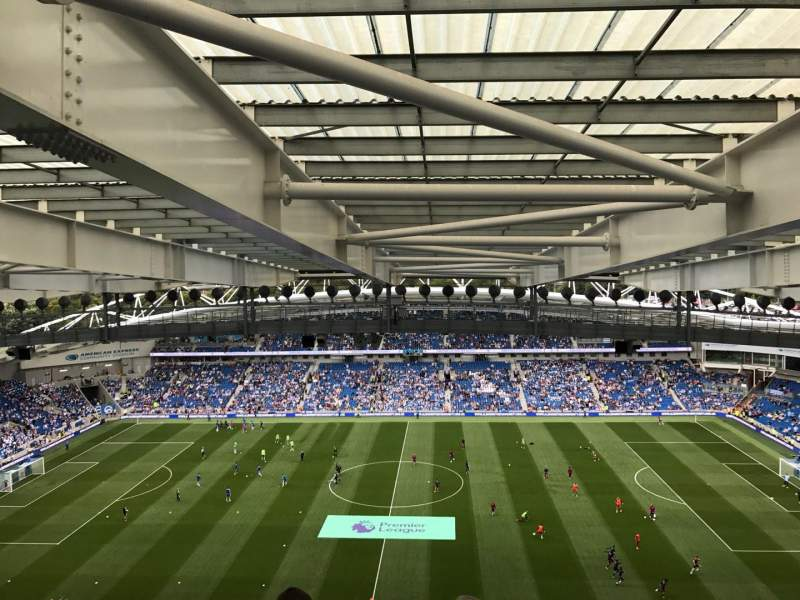 American Express Community Stadium, section: W3D, rangée: X, siège: 99
