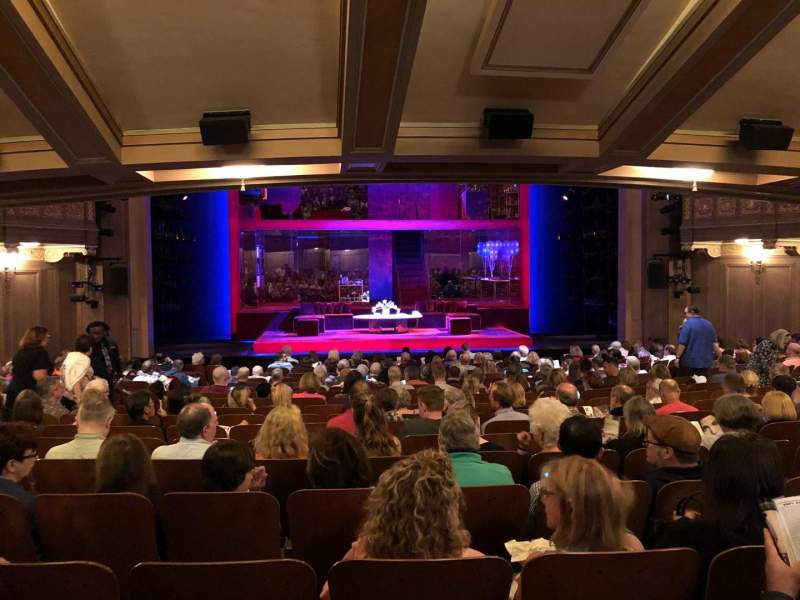 Booth Theatre, section: SRO, siège: 106