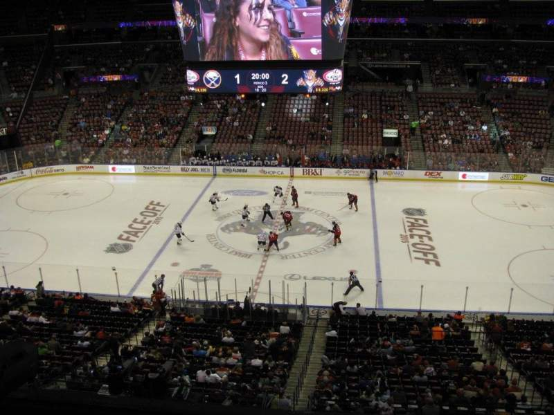 BB&T Center, section: CL17, rangée: 1