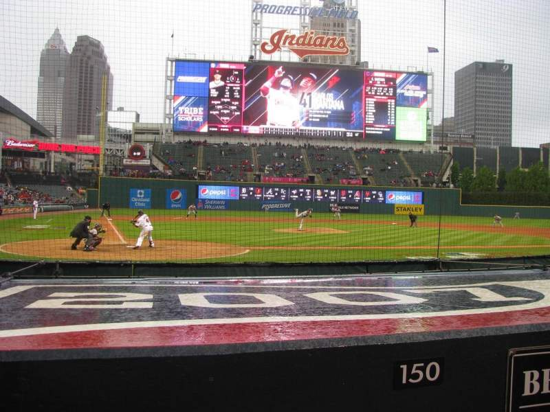 Progressive Field, section: 150, rangée: A
