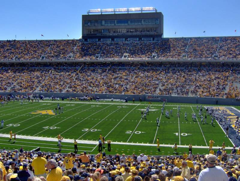Vue de la place pour Mountaineer Field Section 108 Rangée 42