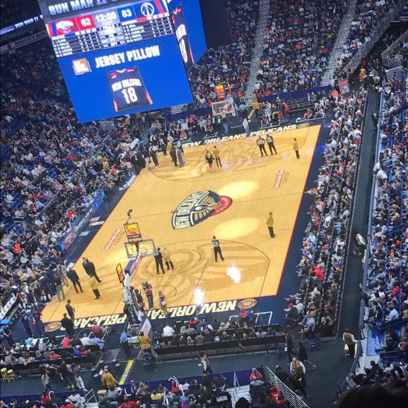 Smoothie King Center, section: 306, rangée: 16, siège: 12