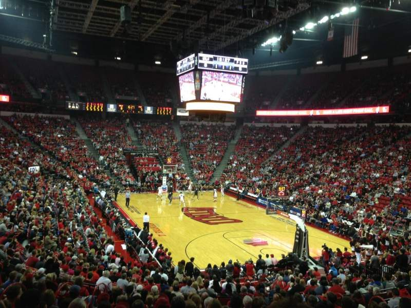 Thomas & Mack Center, section: 113, rangée: P, siège: 11