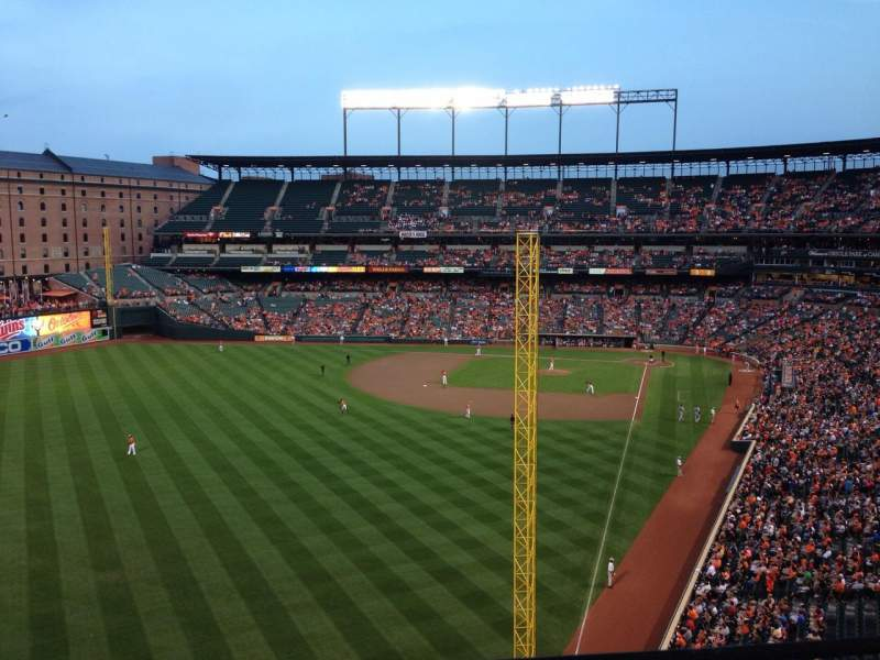 Oriole Park at Camden Yards, section: 378, rangée: 1, siège: 18